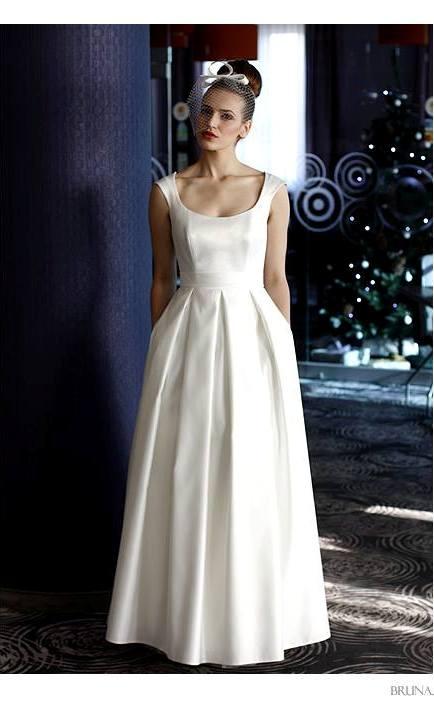 9da66306a4 Suknia ślubna model Joy suknia prosta elegancka matowa. Suknie ślubne Kraków